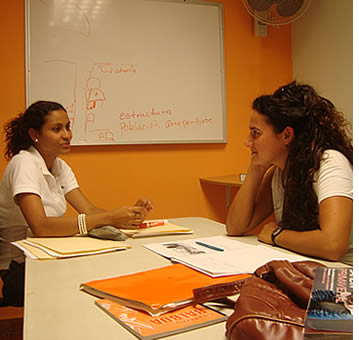 Many Spanish students combine group lessons with private ones